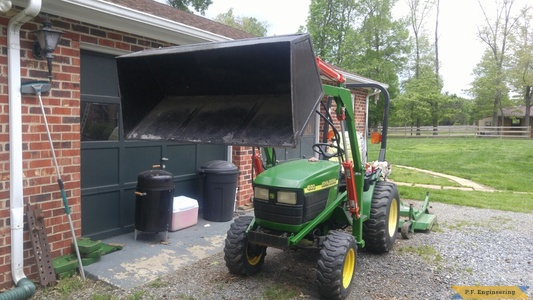 John Deere 4100 loader front view by Mario