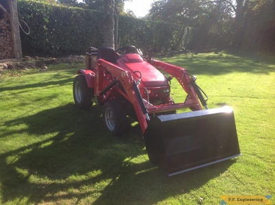 Honda 5518 loader with bucket by Simon B.