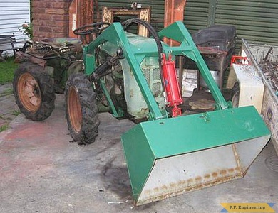 Holder Articulated tractor loader_1